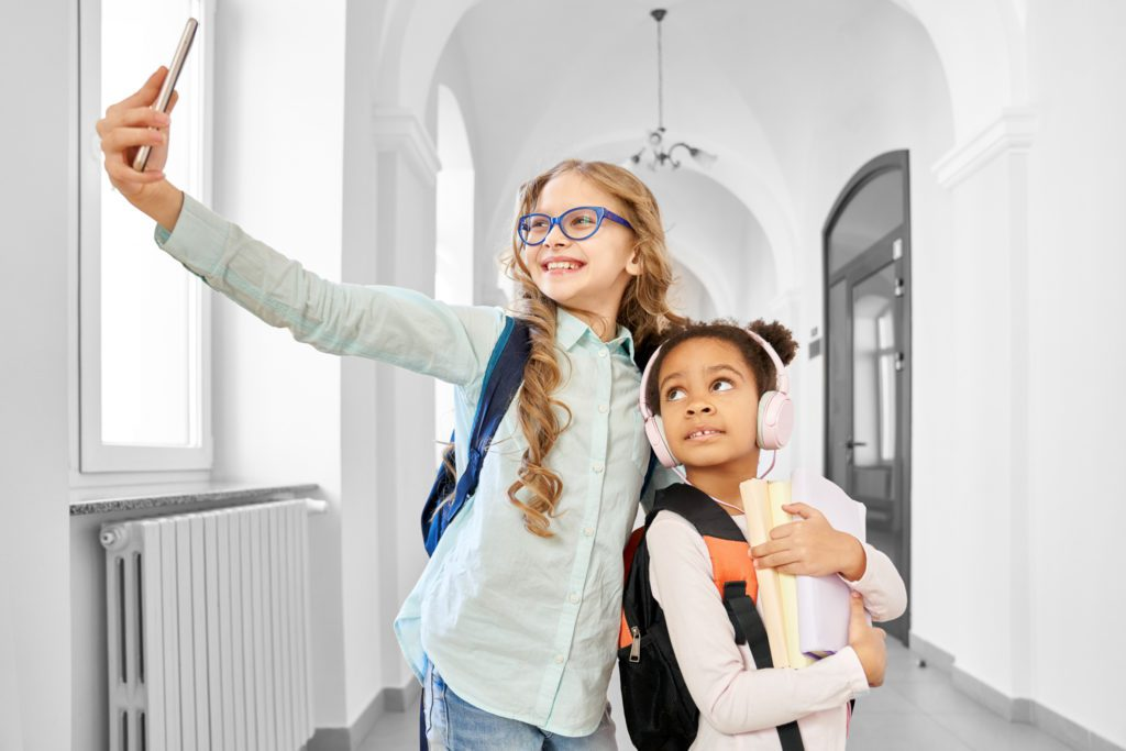 5 easy ways to get your child into back-to-school routines.